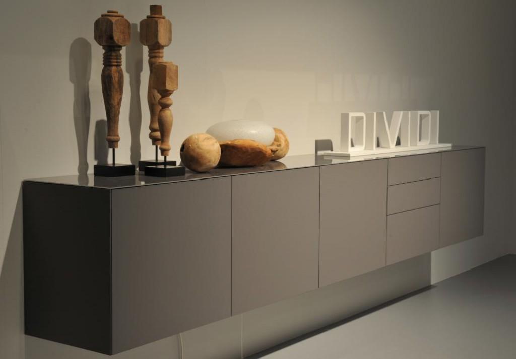 Dividi hangend dressoir vindt u bij hoogebeen interieur for Dressoir design