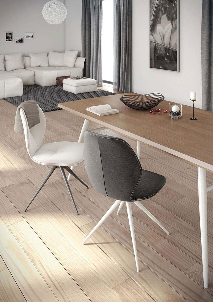 Mobitec Moods dining chairs