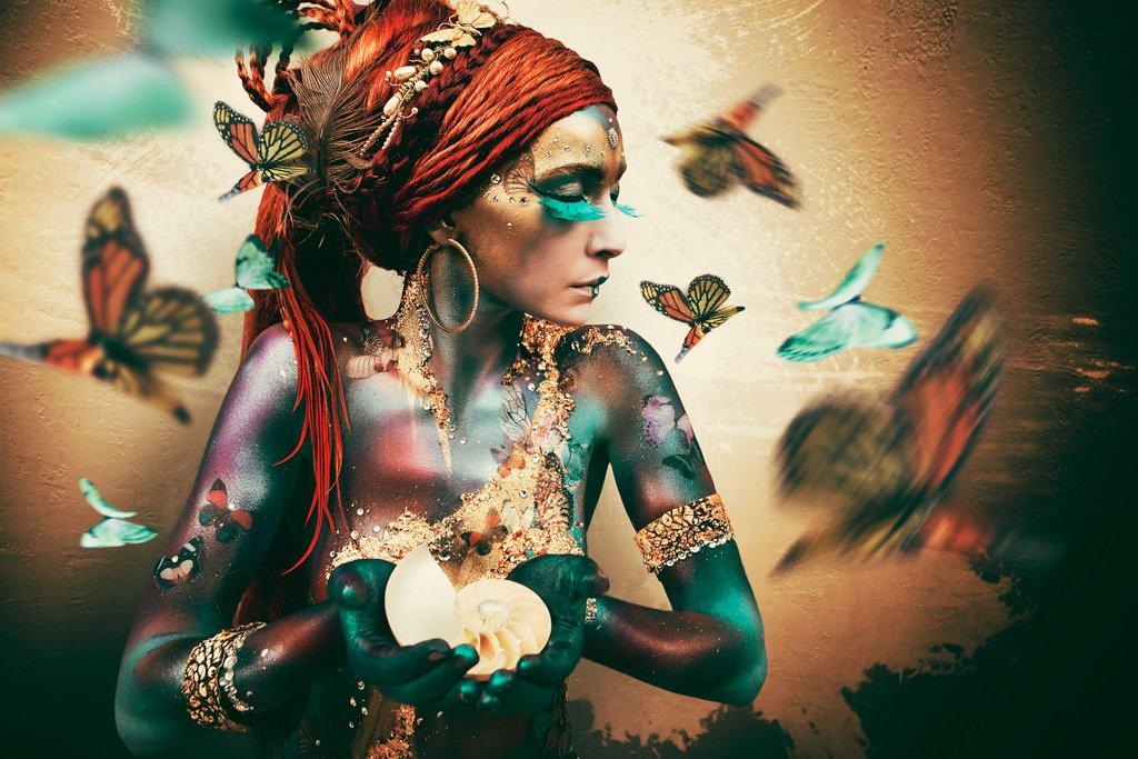 Cobra Art Girl with butterflies